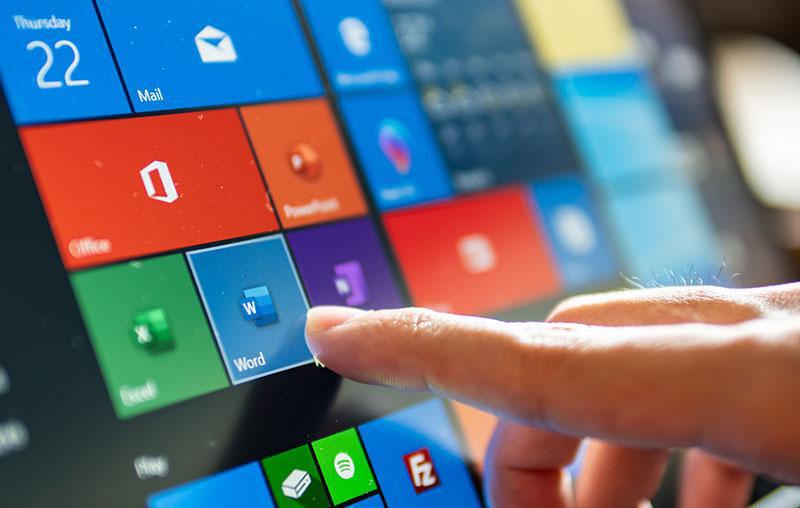 """微软发布 Windows 10 解决""""SeriousSAM""""错误的方法"""